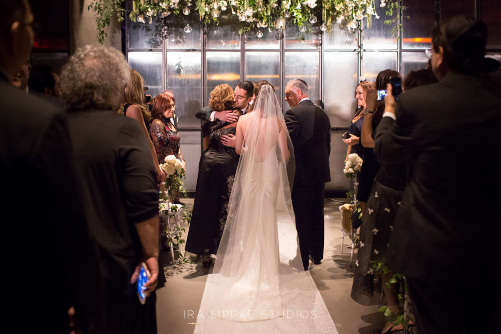 nyc wedding at the Vine